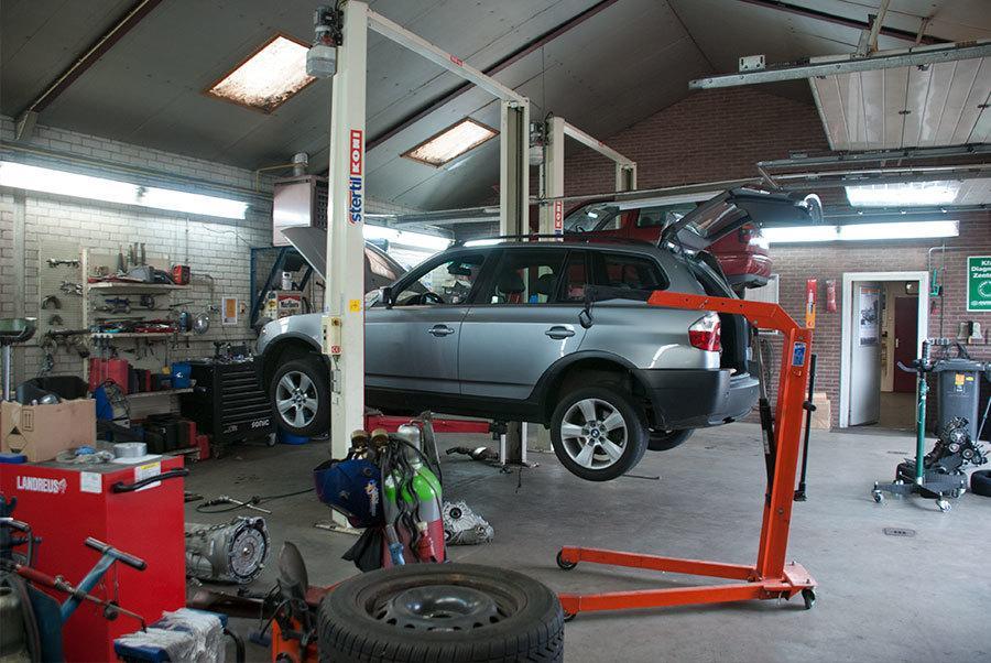 Autoshop Wildeboer de werkplaats en garage